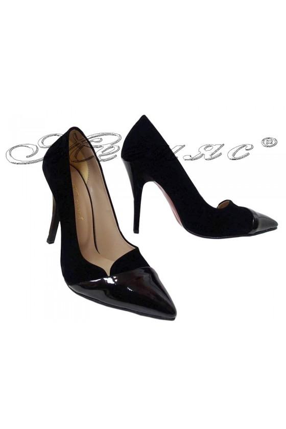 Дамски обувки 311 черни еко набук на йвисок ток