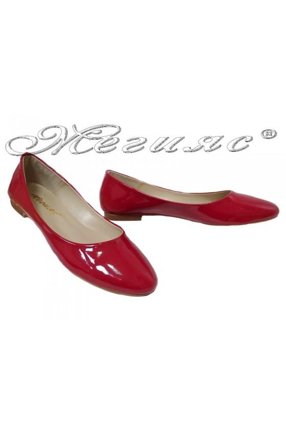 Дамски обувки 101 червен лак равни
