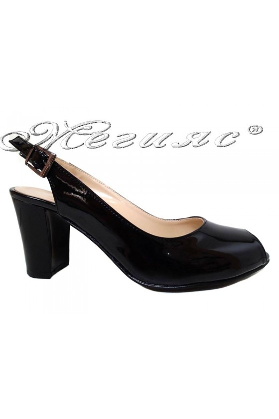 Lady elegant sandals 95 black patent