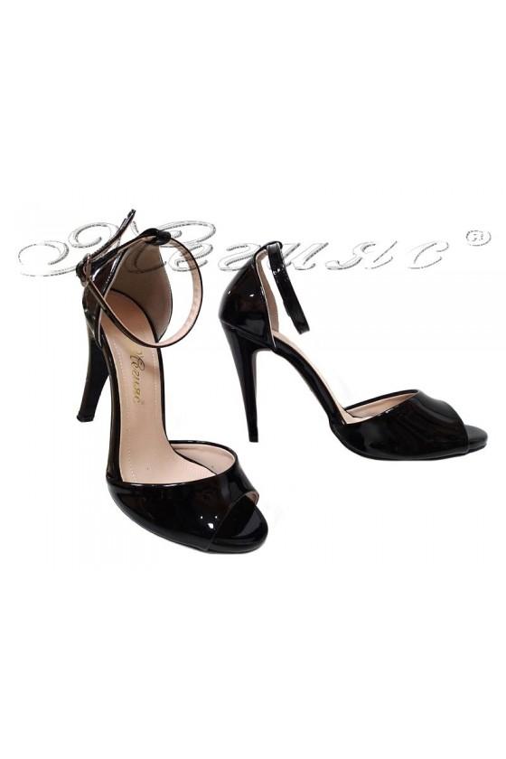 Дамски сандали 576 черни лак елегантни с висок ток