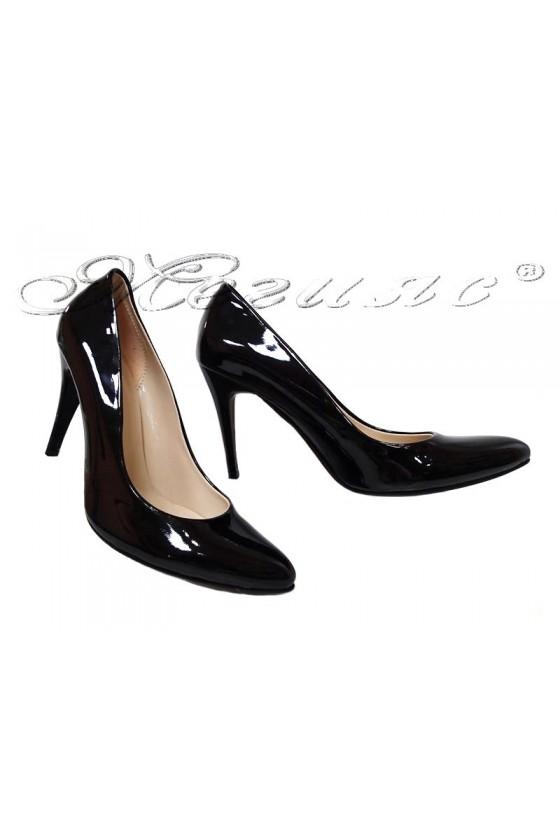 Дамски обувки XXL 1520 черни лак елегантни с висок ток