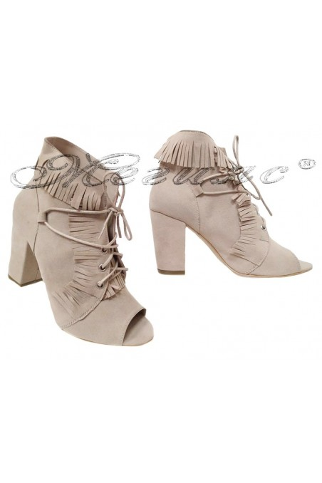 Lady summer boots beige