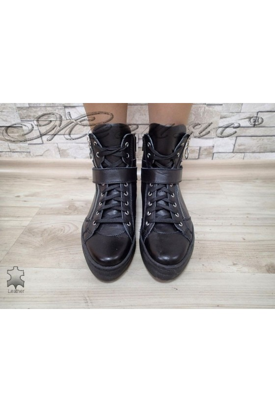 Women boots 16305 black leather