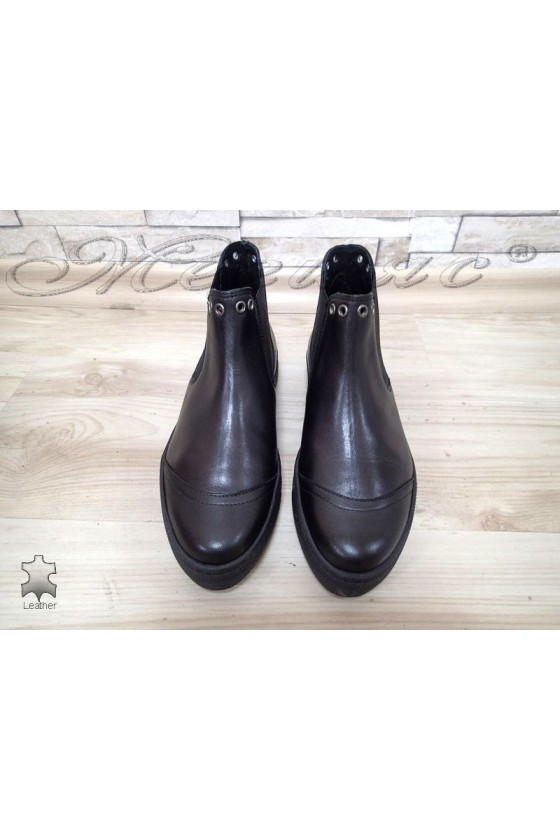 Women boots 16333 black leather