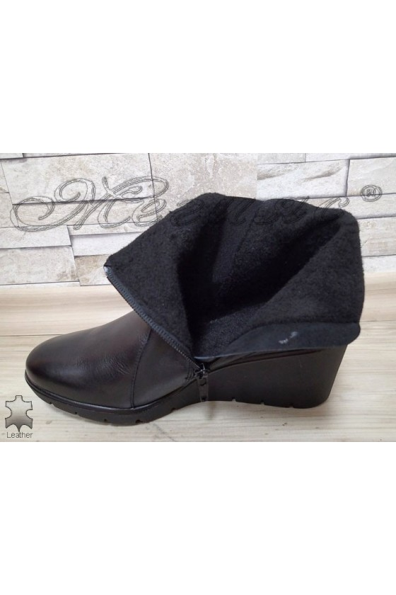 Women boots 16329 black leather