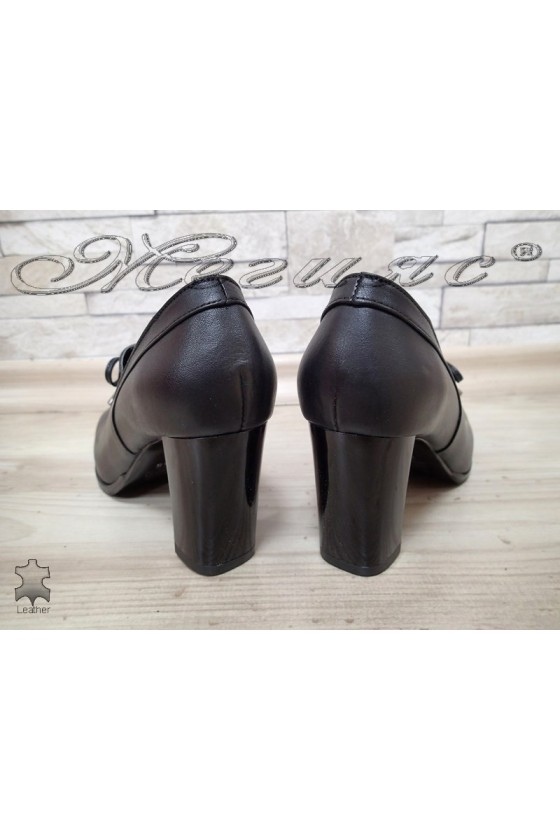 Lady shoes 326/01 black leather
