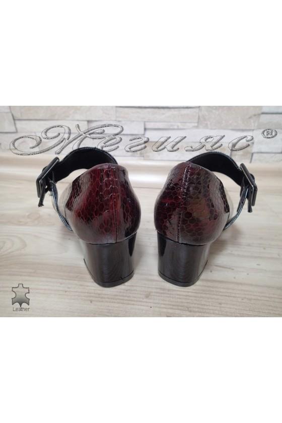 Дамски обувки 504/7615 бордо от естествен лак с широк ток