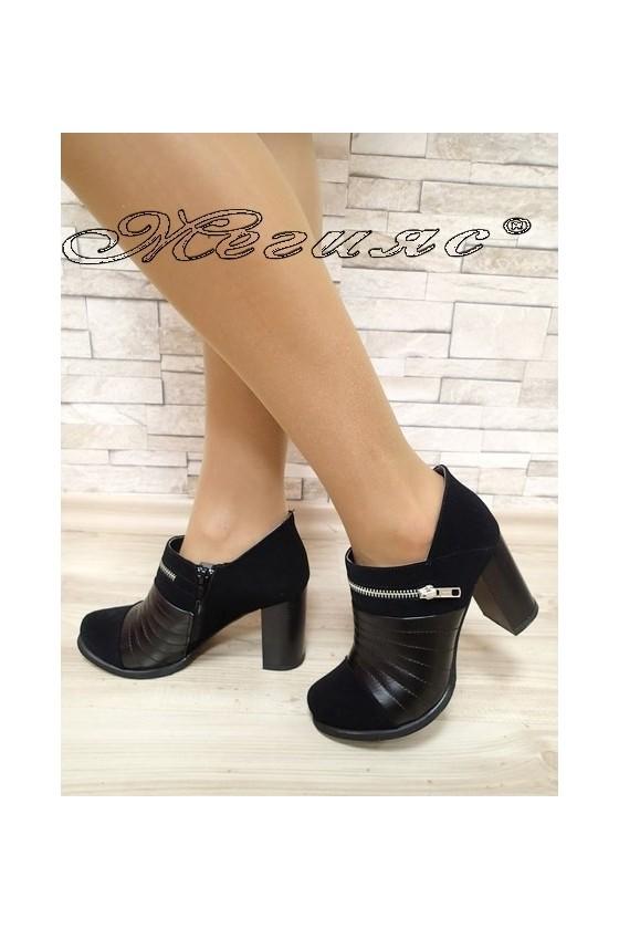 Дамски обувки 730 черни от еко набук с кожа