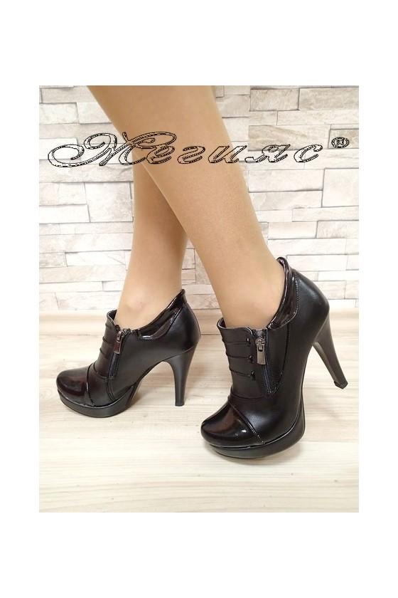 Lady shoes 495 black