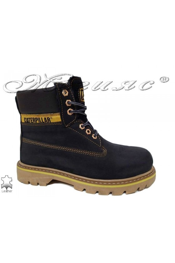 Boots 04 CAT black leather