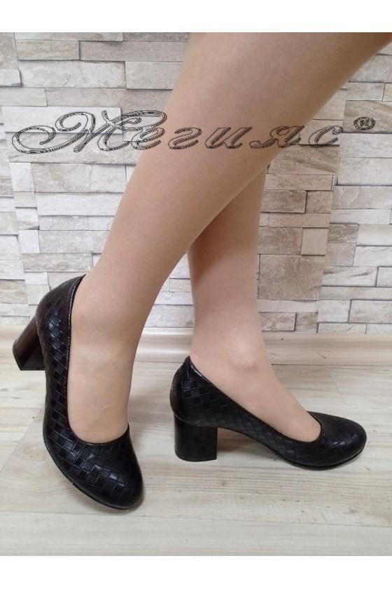 Дамски обувки 989 черни ромб от еко кожа с широк  ток