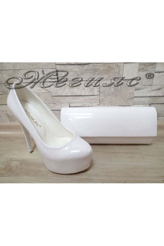 Women elegant shoes 50 white patent with bag 373
