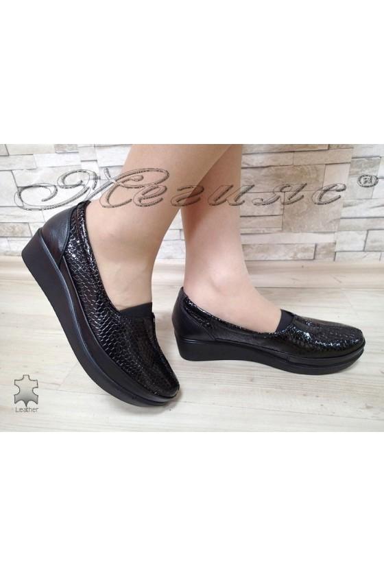 Дамски обувки 012 черни лак кроко от естествена кожа