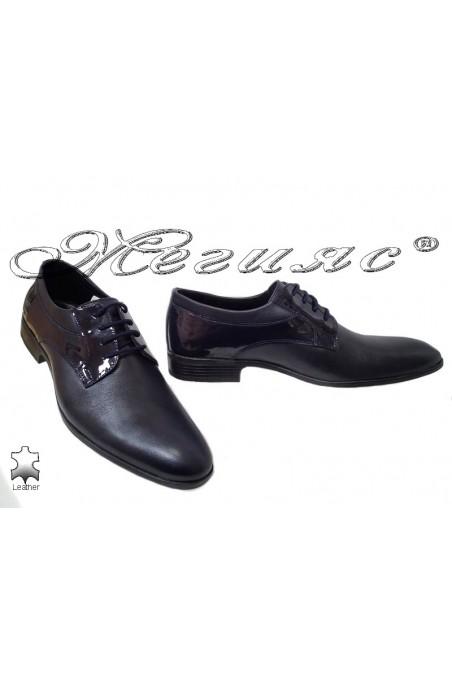 Men elegant shoes 18021 blue leather