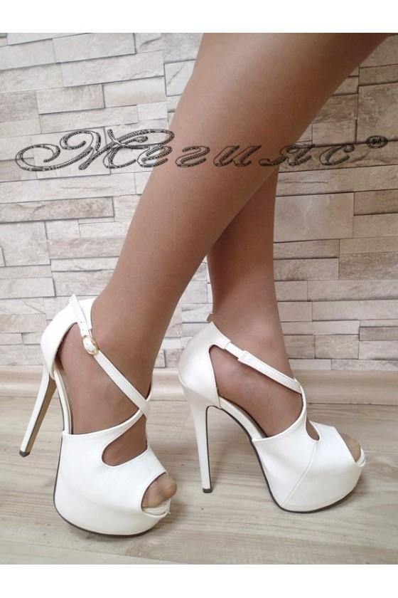 Дамски сандали JESS S1720-43 бели лак с висок ток и платформа