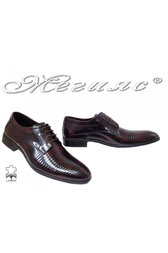 Мъжки обувки  бордо преливащи се с черно от естествена кожа