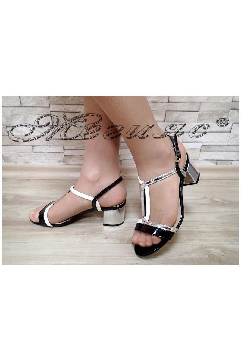 Дамски сандали Jeniffer S1720-72 черни със сребрито нисък ток