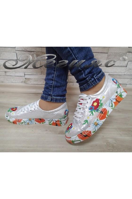 Дамски спортни обувки 45 сребристи промазани на цветя от текстил