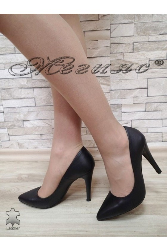 Lady shoes 423 black leather