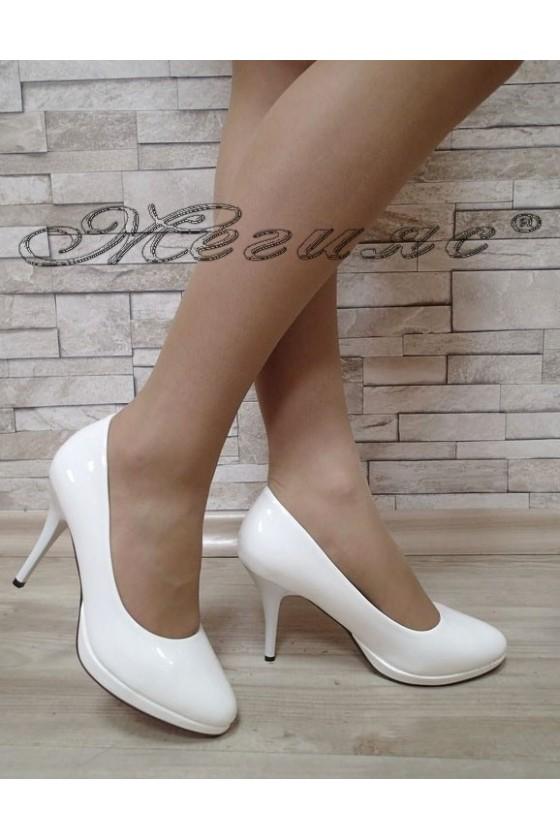 Дамски обувки Stella S1720-202 бял лак елегантни