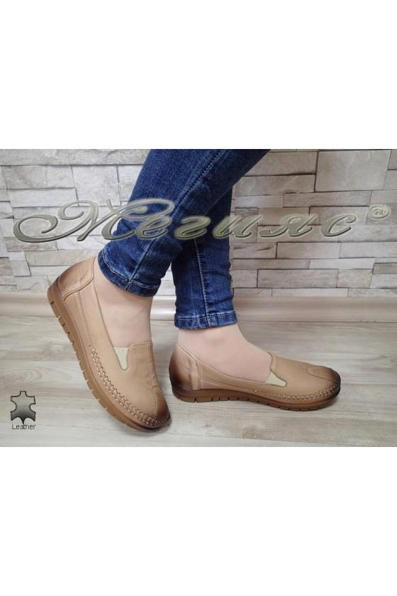Women  shoes 134 beige leather