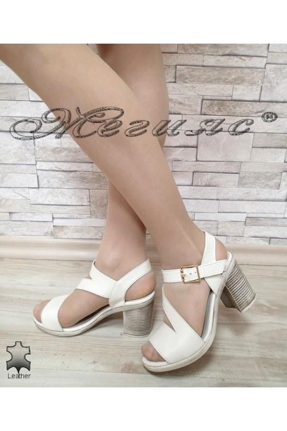 Дамски сандали 730 бежови естествена кожа на широк ток