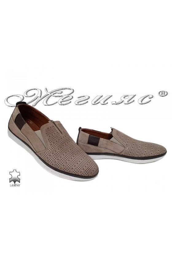 Мъжки обувки 701 бежови от естествен набук с перфорация