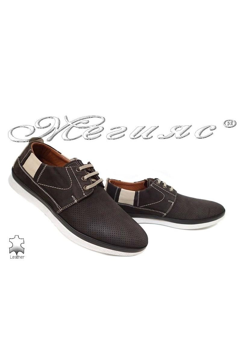 Мъжки обувки 702 тъмно кафяви с връзки от естествен набук