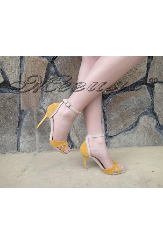 Дамски сандали 1138 жълто с бежово елегантни от еко велур на висок ток