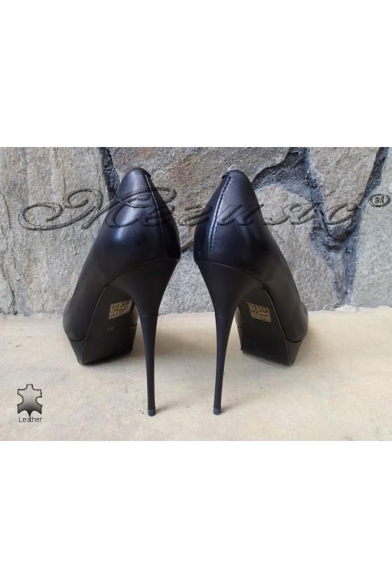 Women elegant shoes Stella 1720-206 black leather