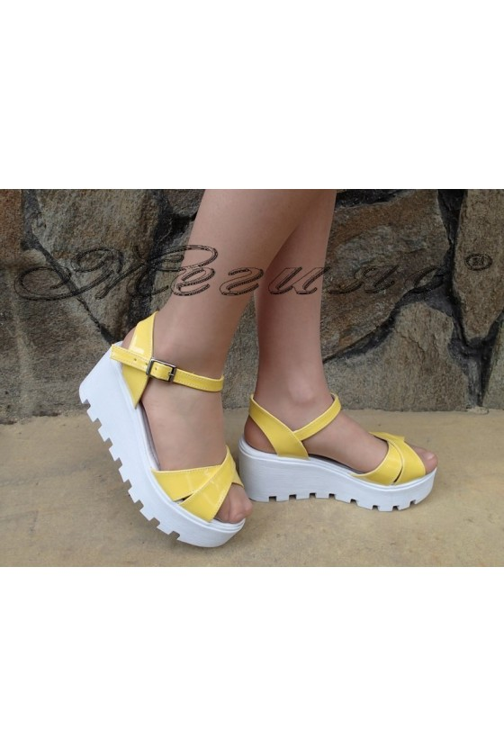 Lady platform sandals 97 yellow patent