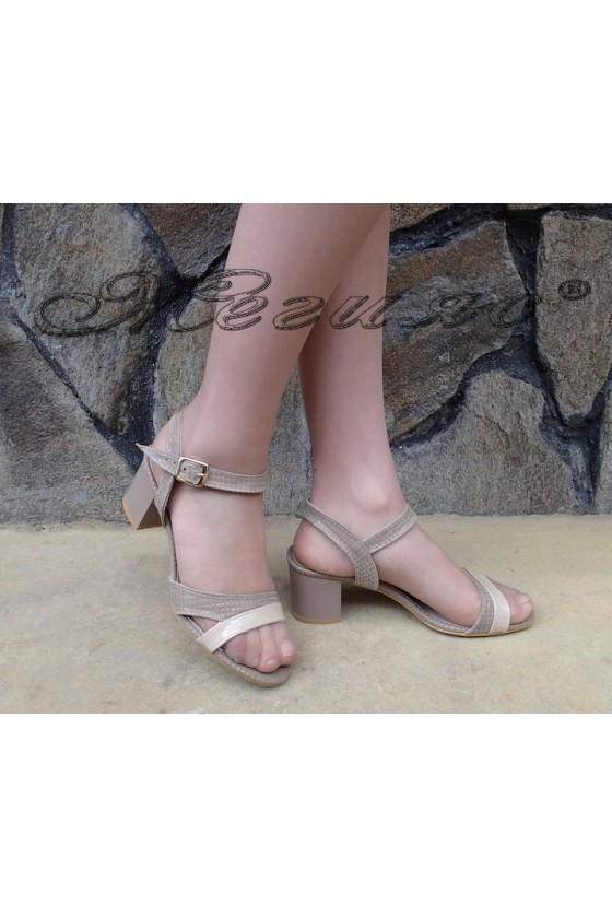 Lady sandals 090 beige patent