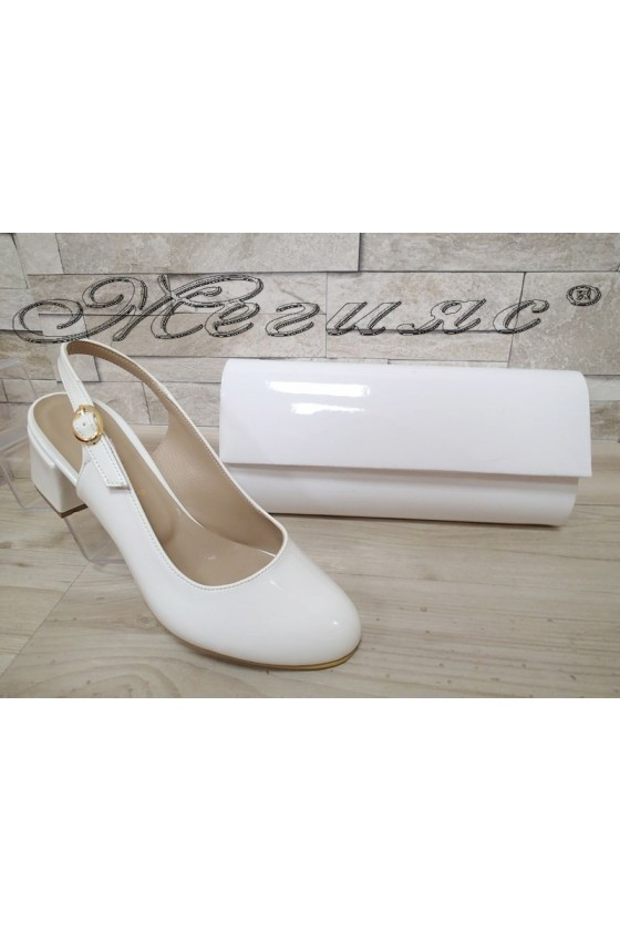 Lady elegant sandals 907 white with middle heel and bag 373