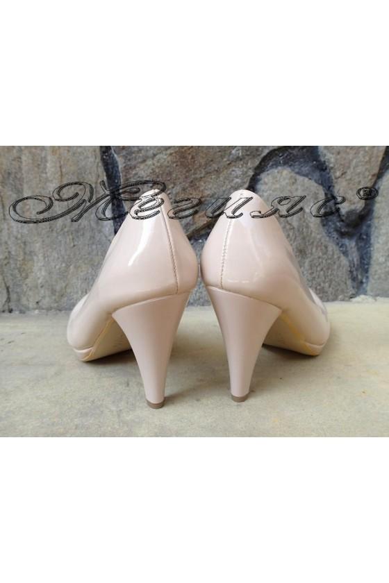 Дамски обувки 510 бежови лак елегантни на ток