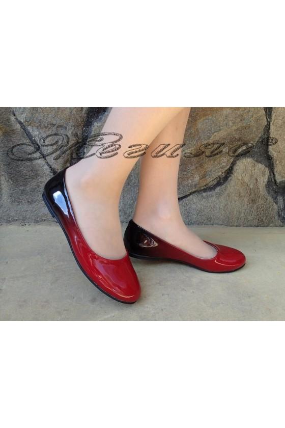 Дамски обувки 110 червено+черно преливащ лак ежедневни