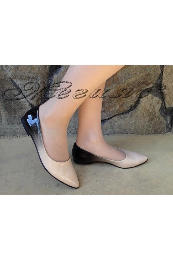 Ladies shoes 111 beige patent