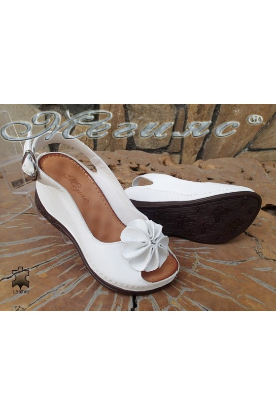 Lady sandals XXL 2-145 white leather