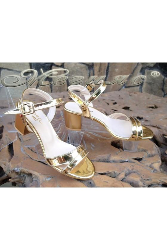 Lady sandals 090 gold patent