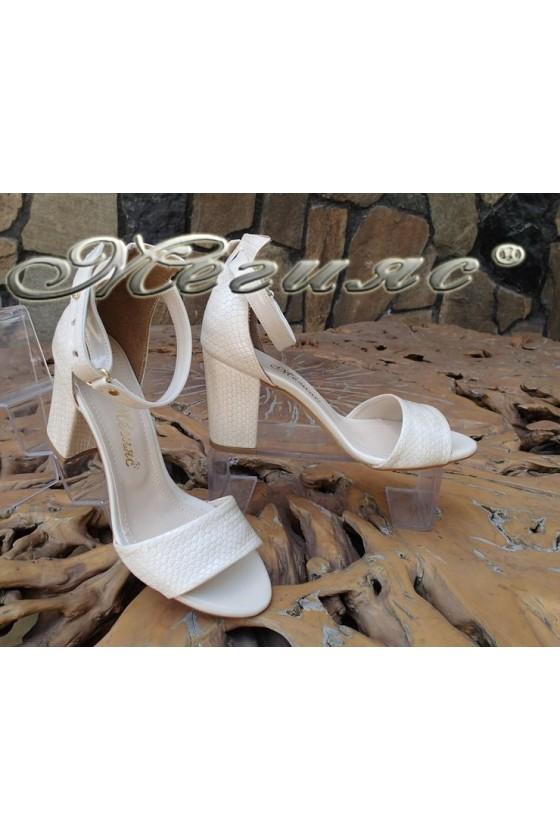 Дамски сандали 143 бежови змия еко кожа елегантни с широк ток