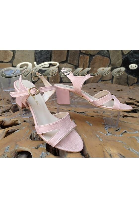 Дамски сандали 1729 пудра резки еко кожа с широк ток