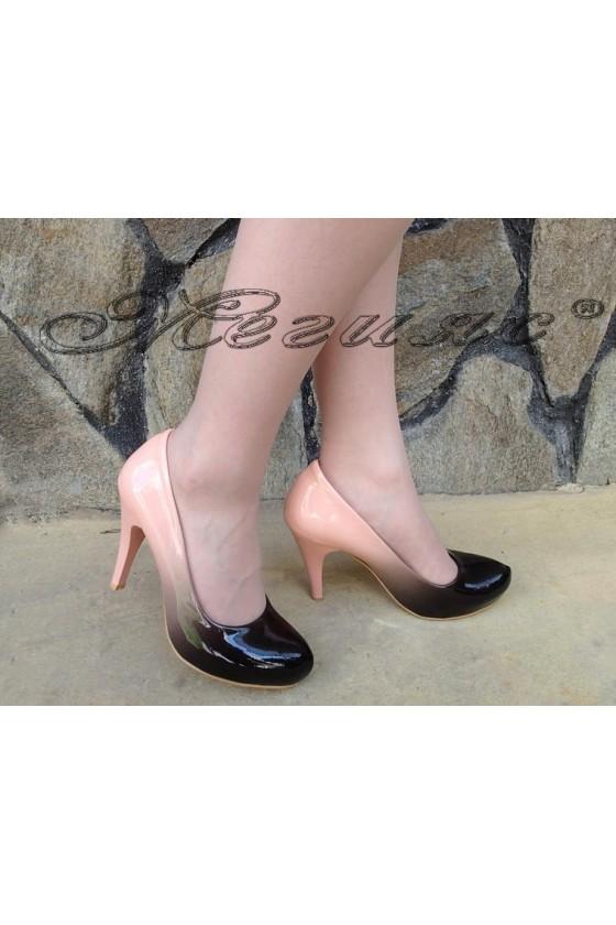 Дамски обувки 15 черно с корал преливащ лак висок ток заоблени