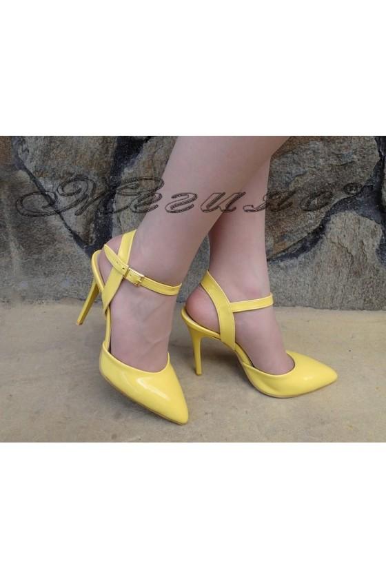 Дамски сандали К 060 тъмно жълти лак елегантни с тънък ток