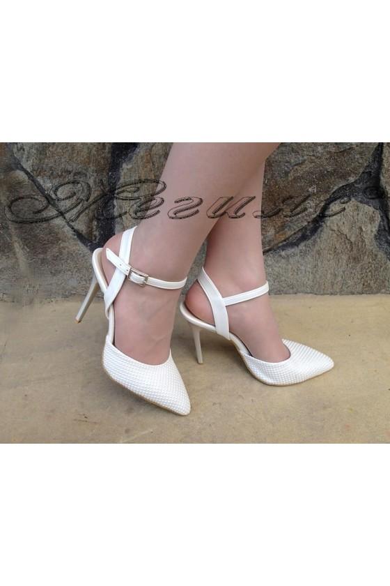 Дамски сандали К 060 бели точки еко кожа с поритие лак с тънък ток