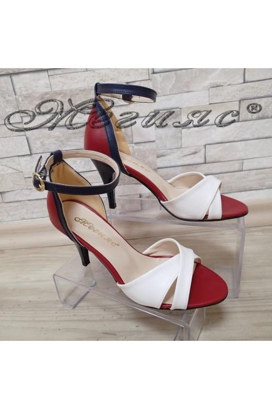 Дамски сандали бяло/синьо/червено елегантни от еко кожа среден ток