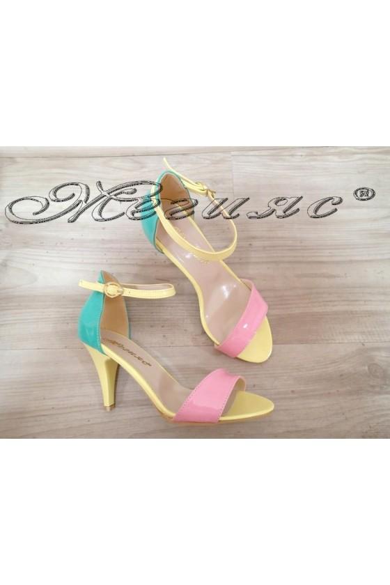 Дамски сандали 374 шарени елегантни от еко кожа с покритие лак среден ток