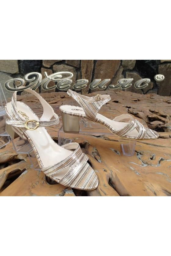 Дамски сандали 1729-202 бежово със златисто от текстил със среден ток
