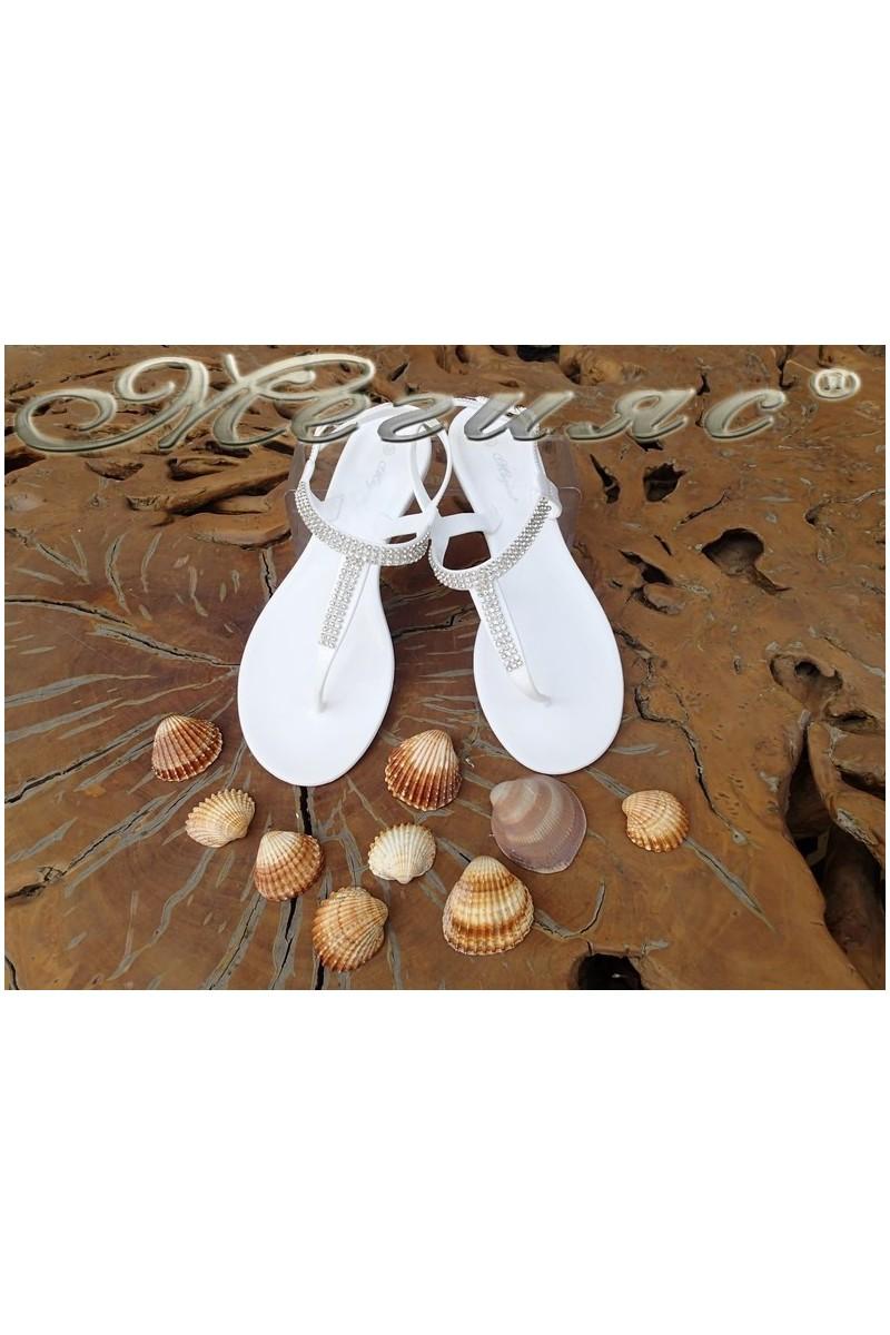 Дамски сандали Lisa 114-1006 бели