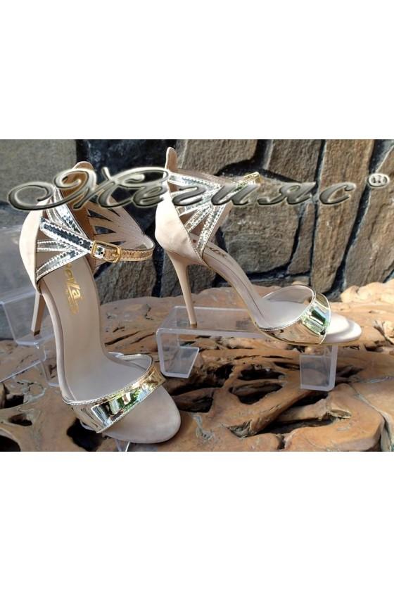 Дамски сандали 6056 бежови велур и лак елегантни с висок ток