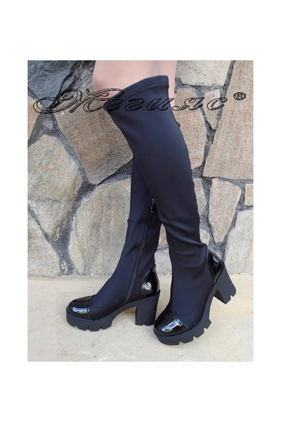 Дамски ботуши Carol W18-2064 черни от еко кожа на широк ток