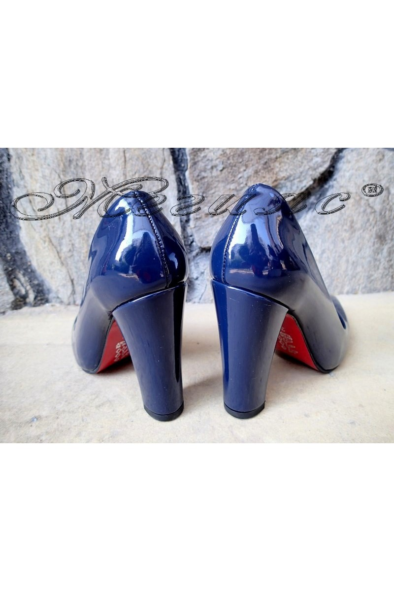 Дамски обувки 702 сини лак с дебел ток